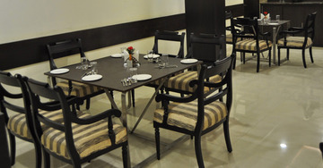 Great Dining options at Mapple Express Hotel in New Delhi