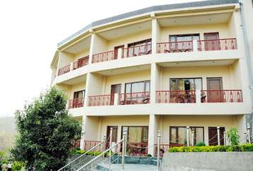 Enjoy valley view at Mapple Hotel in Bhimtal,Uttarakhand