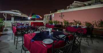 Roof Top Dining at Hotel Suncourt Yatri in New Delhi