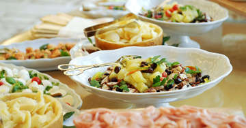Extensive Food Service at S'mor Spa Village Resort in Hua Hin