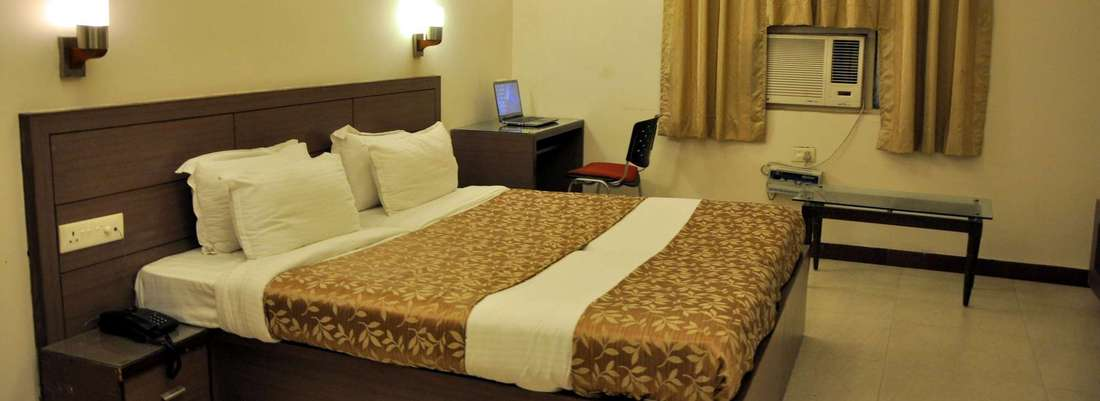 Executive Rooms at Crystal retreat Hotel in Agra