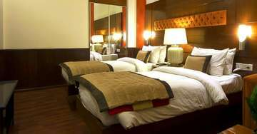 twin rooms in PaharGanj hoel aura