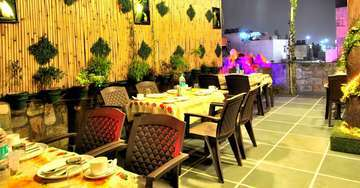 Roof-top restaurant at Hotel Aman International