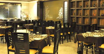 Restaurant at Hotel Crystal Inn Agra