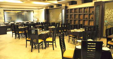 Multi Cuisine Restaurant at Hotel Crystal Inn Agra