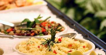 Extensive breakfast service at Crystal retreat Hotel in Agra