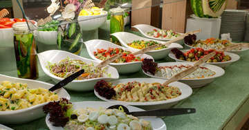 Free Extensive Breakfast at Mapple Express Hotel in New Delhi