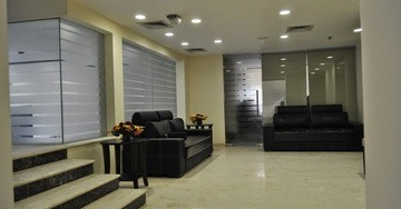 Well Appointed Public Areas at Hotel Mapple Express New Delhi