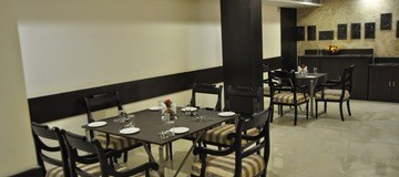 Great Dining options at Hotel Mapple Express New Delhi