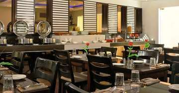 Restaurant At The Pearl Hotel